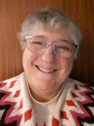 Picture of Hilary Mackelden